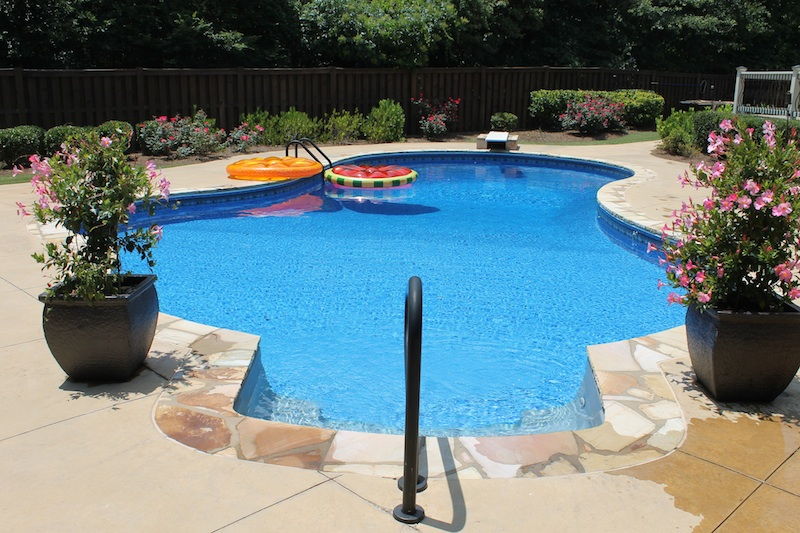 pool liner installation 2